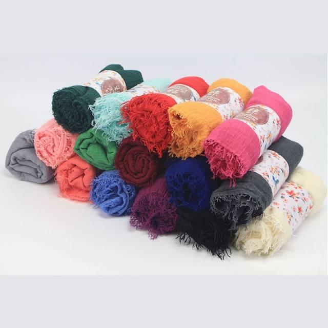 Women Cotton Bubble Plain Wrinkle Hijab Scarf with Fringes